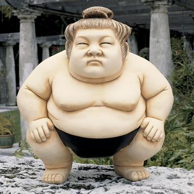 sumo-wrestler-lawn-sculpture